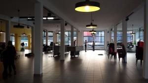 Aufbau im Autohaus Ehrhardt