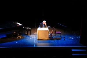 Einsamer Mann auf großer Bühne - Miroslav Nemec in Hildburghausen